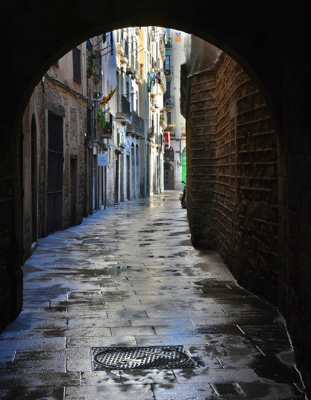 gate, alley, passage-1898093.jpg
